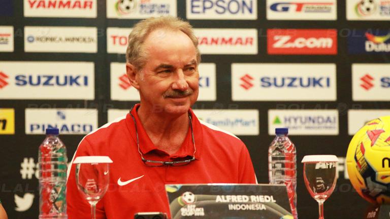 (PIC:Hadapi Leg Kedua Semifinal Piala AFF 2016, Ini Yang Buat Alfred Riedl Pusing)