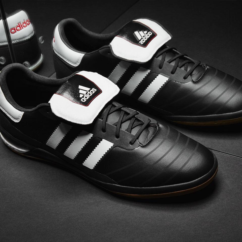 5 Sepatu Futsal Pilihan Bulan Mei 2016 - Bolalob.com