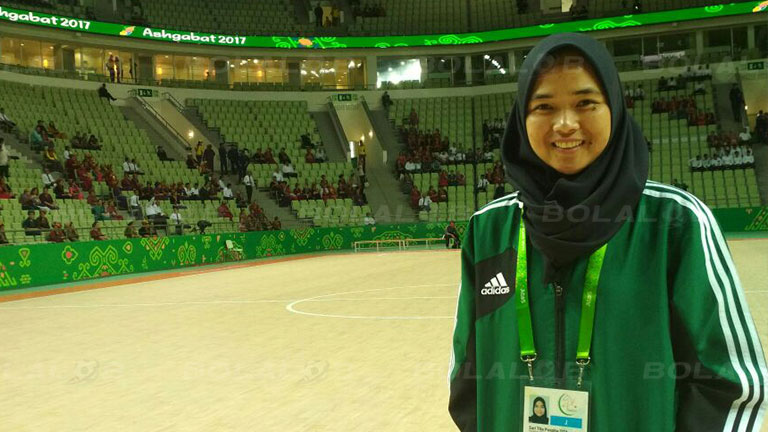 Ini Tugas Pertama Wasit Futsal Wanita Indonesia Berlisensi