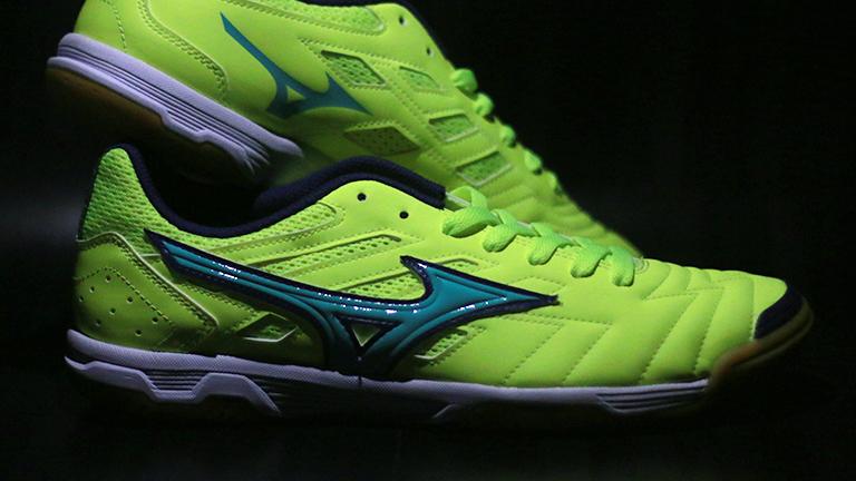 Sepatu Futsal  Mizuno Sala Classic 2 3423dbd8b6