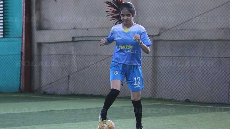 Kenalkan Refina Mutiara Si Imut Manis Yang Suka Futsal Karena Tantangannya Bolalob Com